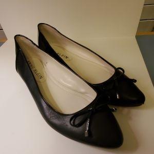 Anne Klein Size 8 M Black Leather Flats
